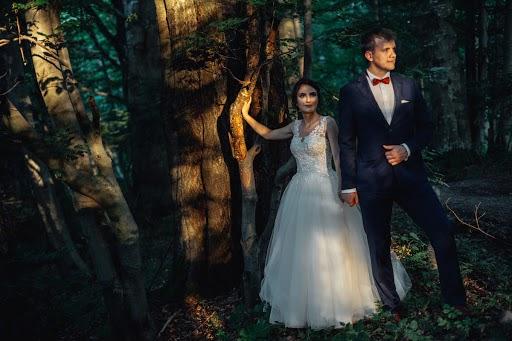 Wedding photographer Radek Kazmierczak (wildlight). Photo of 09.08.2017