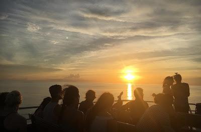Travel from Koh Tao to Koh Phangan Haad Rin Beach by Lomprayah high speed catamaran