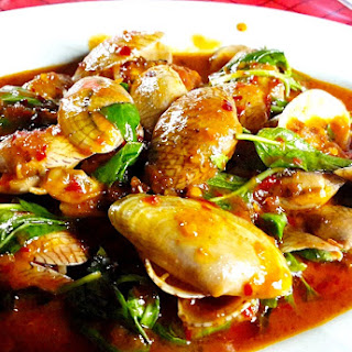 The Hirshon Thai Spicy Clams With Basil and Roasted Chili Sauce – หอยลายผัดพริกเผา.