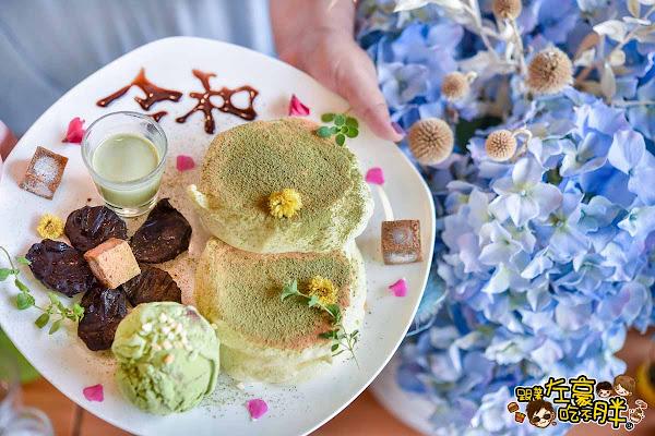高雄美食 烏拉森林鬆餅屋~雲朵系抹茶舒芙蕾鬆餅~少女心噴發!餐點自由搭。