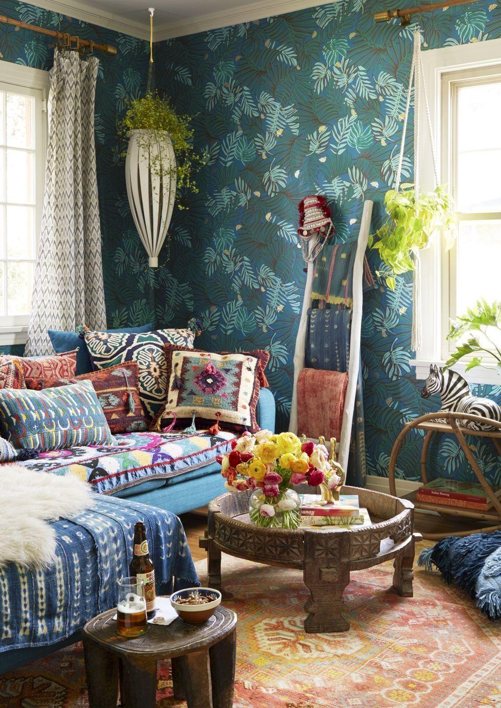 Tường nhà nhiều màu sắc hoặc các màu sắc nổi bật giúp không gian hấp dẫn hơn
