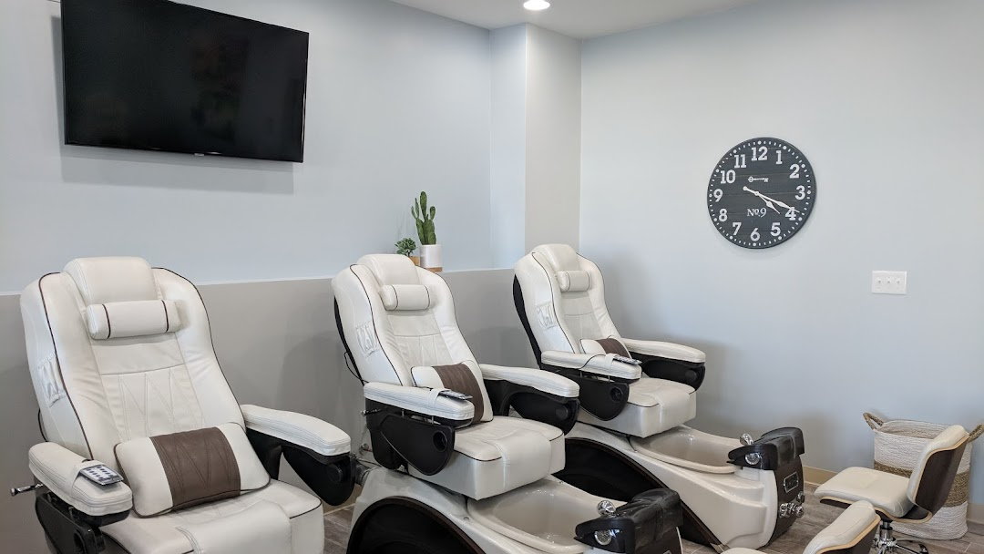 Tip Top Nails - Nail Spa in Fairview Heights