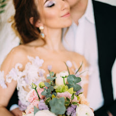 Wedding photographer Marina Sivukhina (wedhappy). Photo of 12.04.2016