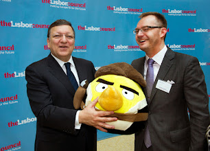 Photo: José Manuel Barroso, President of the European Commission and Teemu Suila, chief operating officer of Rovio (the creator of the Angry Birds app)