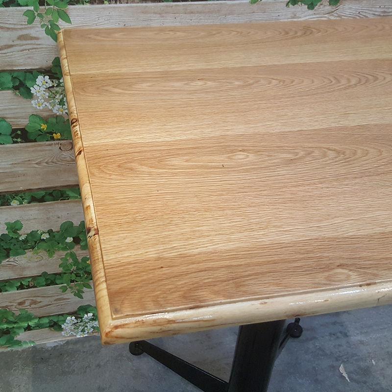 gỗ có nhiều màu sắc khác nhau