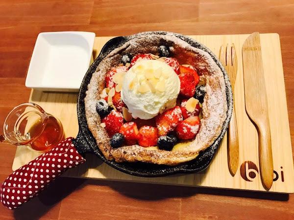 [台南中西區]bibi pancake超級好吃的厚鬆餅,厚鬆餅、鐵鍋鬆餅專賣店。