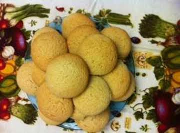 Aunt Edith's Sour Cream Cookies