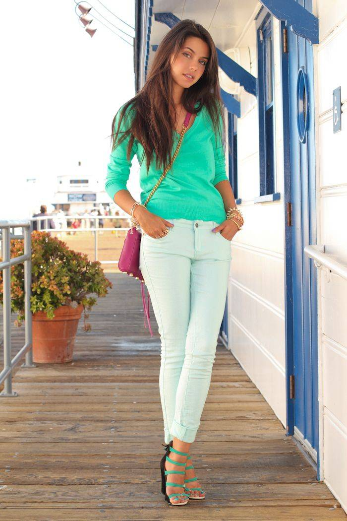 white-jeans with mint colour top_image