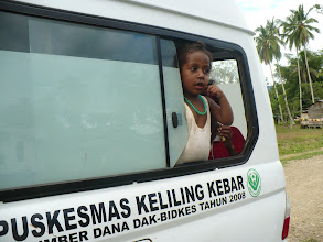 Photo: De ambulance voor district Kebar en Senopi