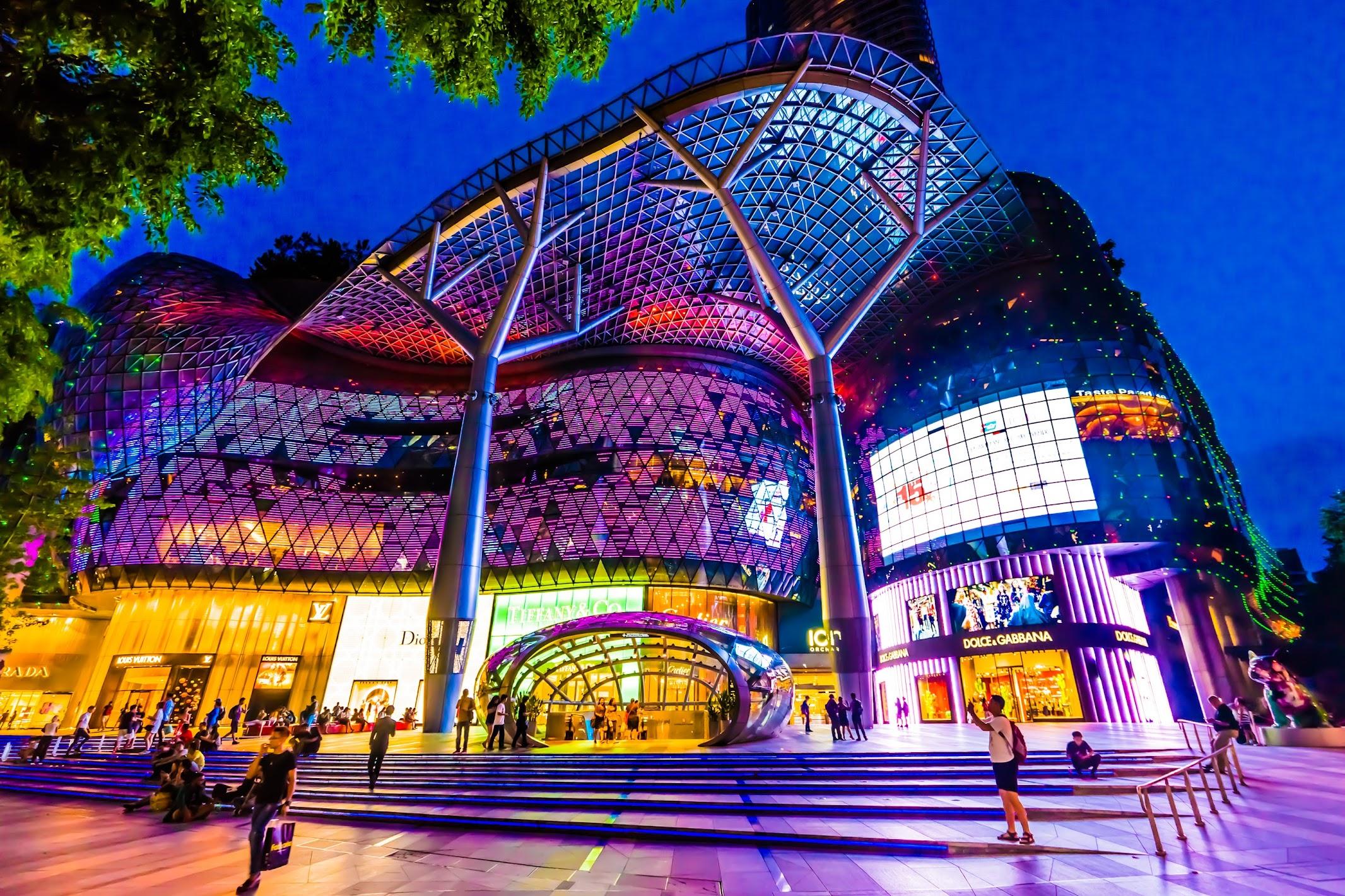 シンガポール アイオン・オーチャード(ION Orchard) 夜景(イルミネーション)1