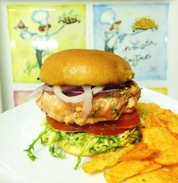 3 Cuisine Grilled Mini Salmon Burgers Recipe