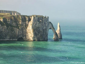 Photo: France-Etretat, la Porte de l'Aval et l'Aiguille