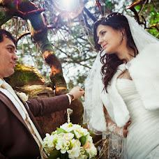 Wedding photographer Vladimir Revik (Revic). Photo of 19.03.2013