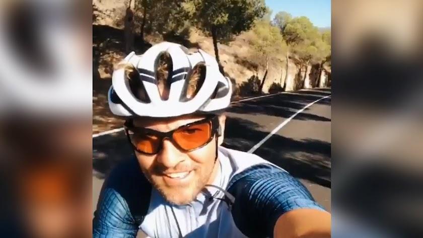 David Bisbal comparte sus vacaciones en Almería a través de Instagram.