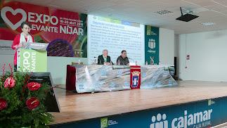 Teresa García, presidenta del Coitaal, durante su ponencia en Expolevante.