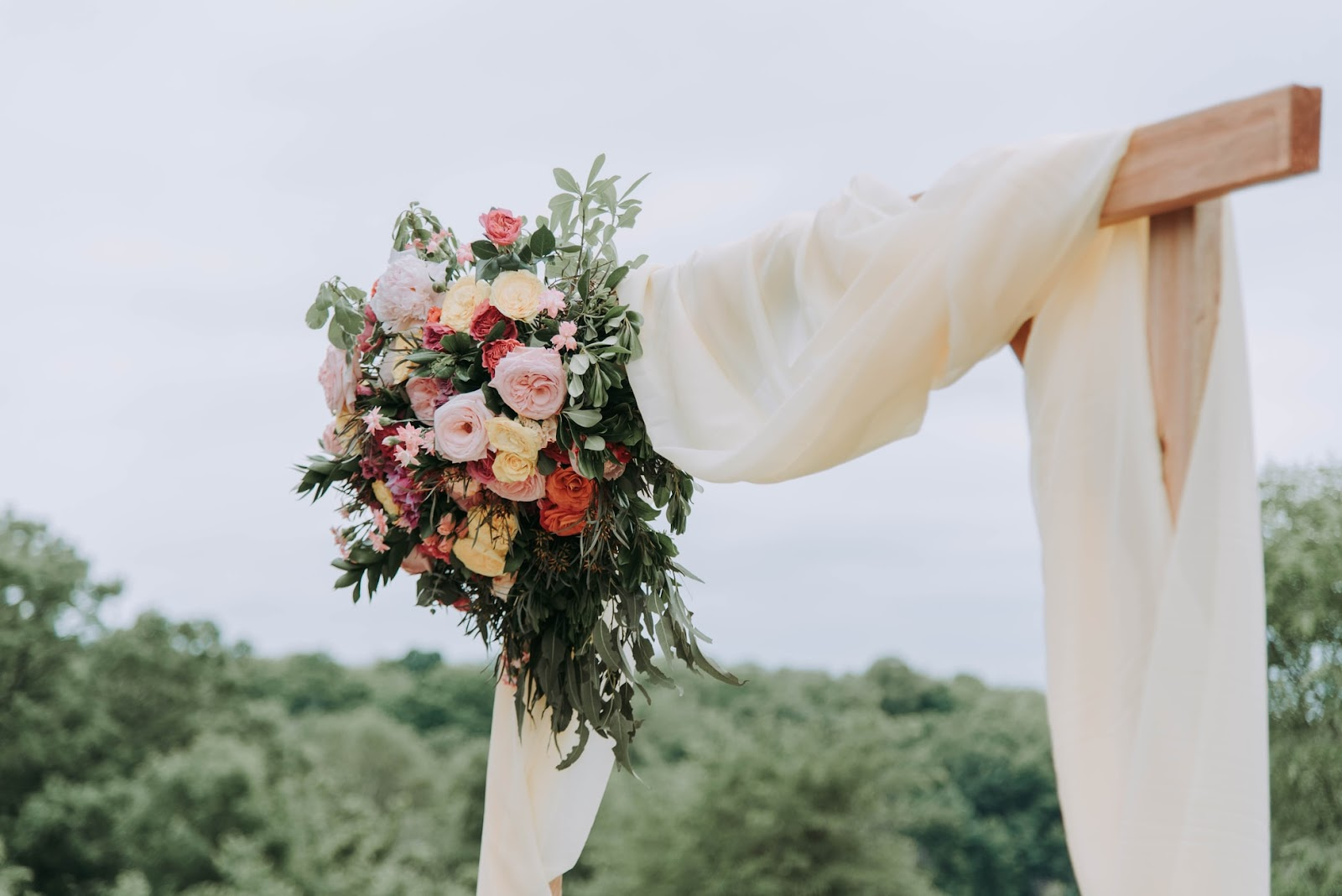 Wedding Flowers: Ceremony