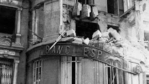 El edificio Banesto, tras el bombardeo nazi del 37.