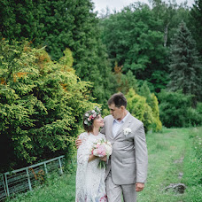 Wedding photographer Anastasiya Smurova (Gweni). Photo of 01.08.2017