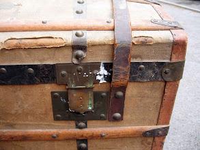 Photo: pas beau l'entoilage et les férrures sont toutes oxidées.