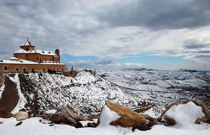 Entorno del Santuario del Saliente (Albox) nevado. / Foto: Somos Albojenses