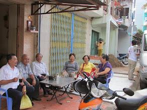 Photo: Cà phê chờ lên đường trước nhà Kim Chi Có cô Vàng tham dự