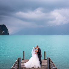 Wedding photographer Claudiu Murarasu (reflectstudio). Photo of 11.01.2017