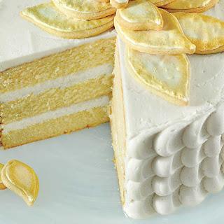 White Chocolate Poinsettia Cake.