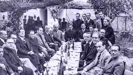 Reunión de alcaldes de Adra en una imagen inédita que rescata el libro.