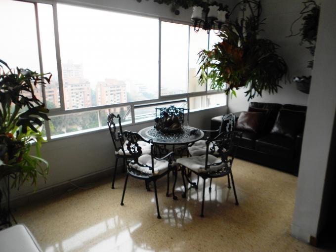 apartamento en venta poblado 585-2806