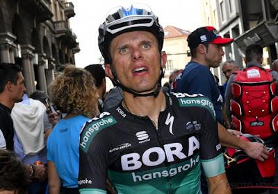 ? Drama in Tirreno-Adriatico: twee renners van ploeg Peter Sagan knallen tijdens ploegentijdrit vol op overstekende voetganger