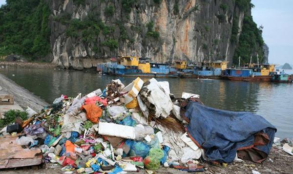 Vấn nạn rác thải tại các điểm du lịch di sản của Việt Nam