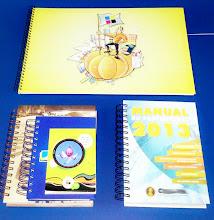 Photo: Diversos tipos de cadernos, blocos e agendas e em diversos tamanhos.