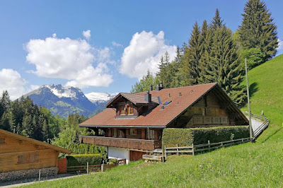 Classic and Exquisite Chalet in Gstaad
