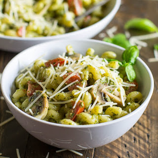 Pesto Cavatappi (Noodles & Company Copycat).