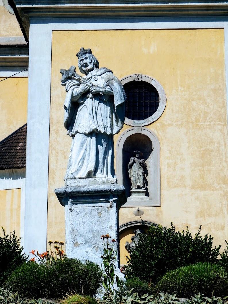 Zsámbék - Nepomuki Szent János-szobor