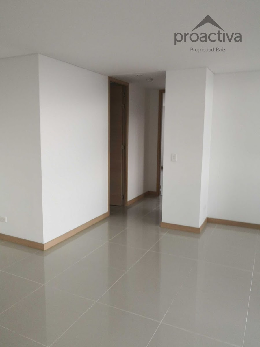 apartamento en arriendo el esmeraldal 497-7224