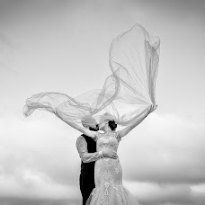 Wedding photographer Laurentiu Nica (laurentiunica). Photo of 12.03.2018
