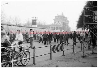 Photo: Pariser Platz  The Berlin Wall
