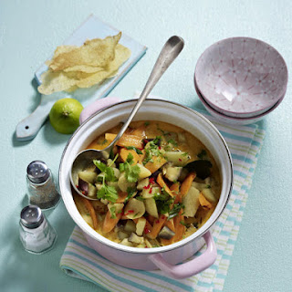 Vegetable Curry with Crisp Bread.