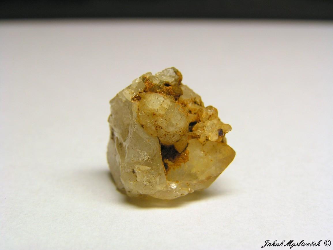 "Photo: Krystal apatitu na křemeni (Krupka - halda ""Bismutka""). Velikost krystalu apatitu 7 mm. Nalezeno dne 10.7. 2016."