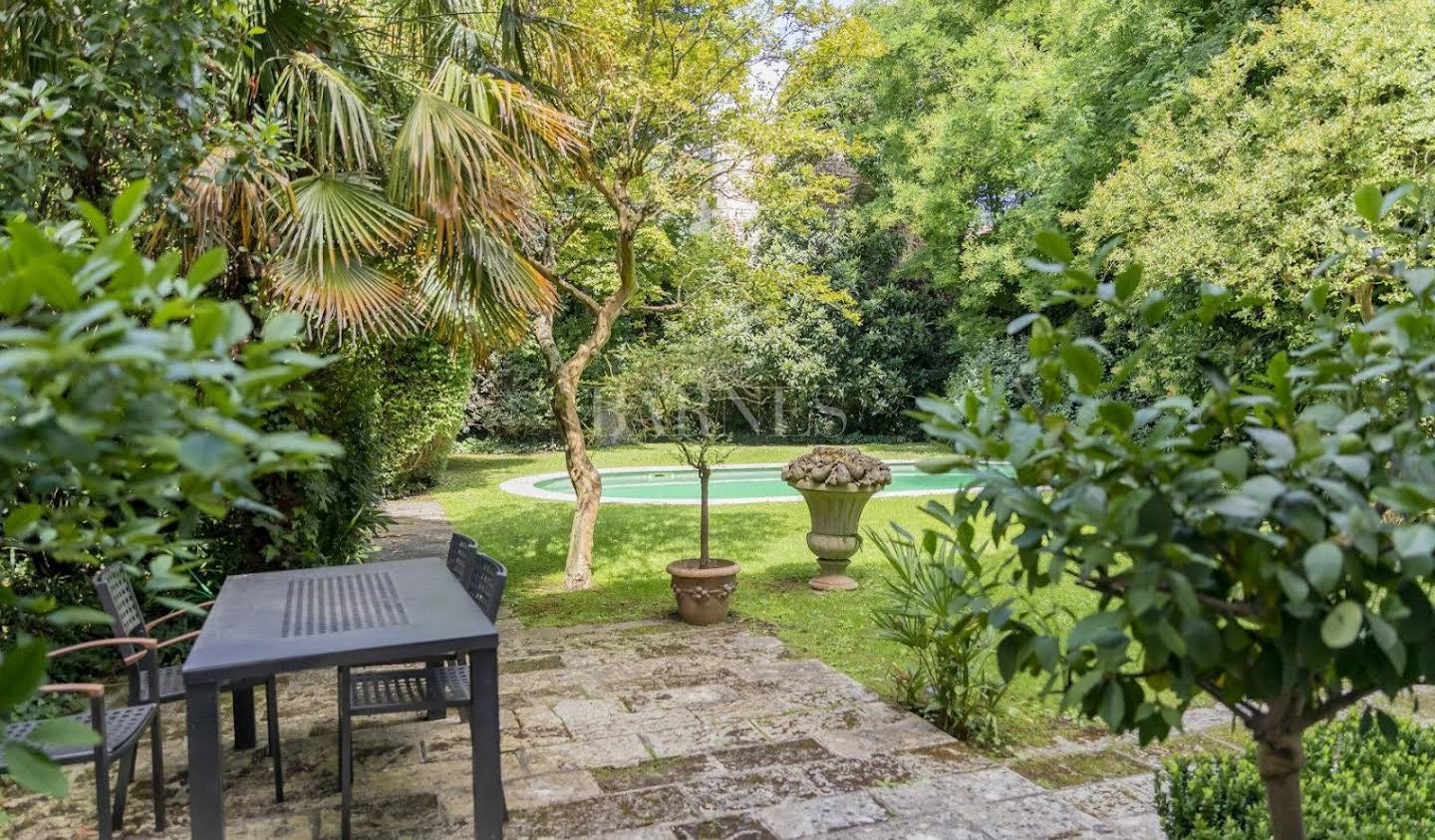 Private mansion with garden Bordeaux