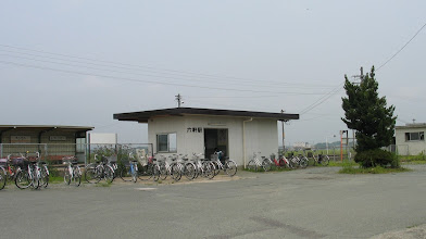 Photo: 紀勢本線 六軒駅(三重県松阪市) 今回は、18きっぷによる上京に挑んでみた。