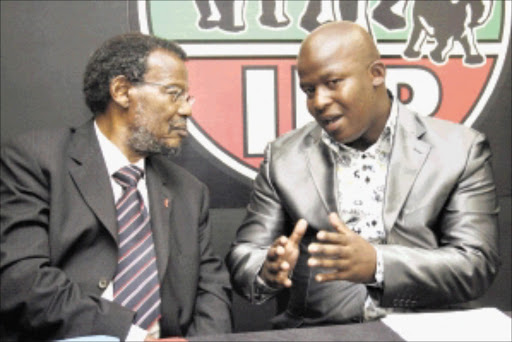 BACK HOME: IFP president Mangosuthu Buthelezi accepts expelled IFP Youth Brigade chairperson in KwaZulu-Natal, S'khumbuzo Khanyenza, back into the party. Pic. THULI DLAMINI. 11/04/2010. © Sowetan.