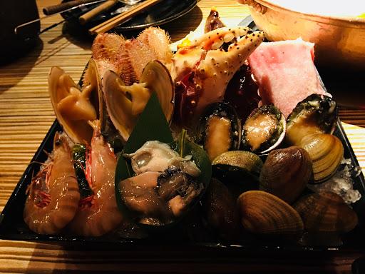 海鮮跟肉都很新鮮