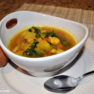 Sweet Potato and Chicken Stew with Basil and Turmeric.