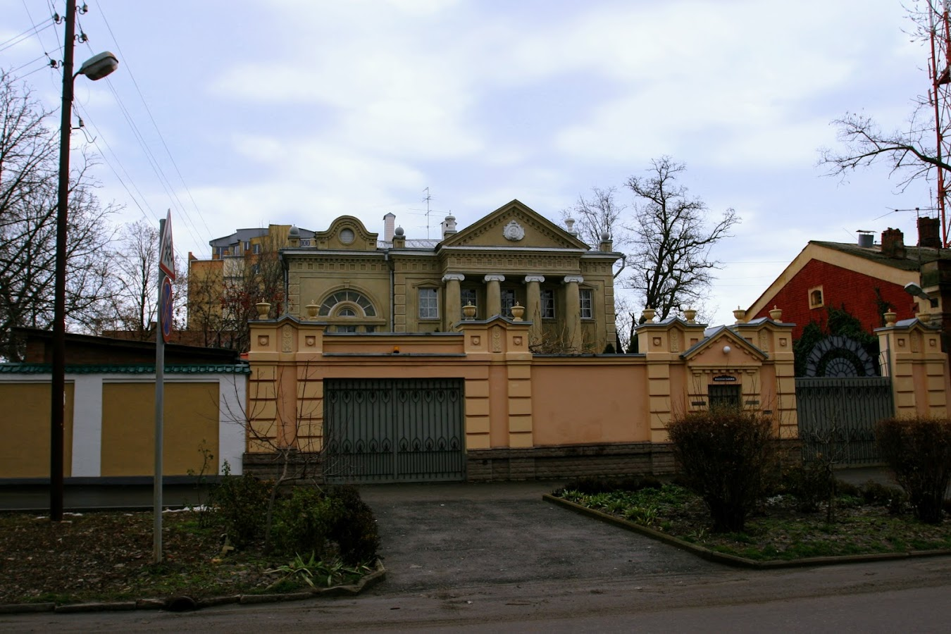 https://sites.google.com/site/istoriceskijtaganrog/turgenevskij-pereulok/dom-37