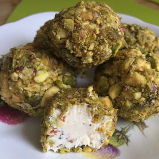 Pistachio-Crusted Sundried Tomato Goat Cheese Balls