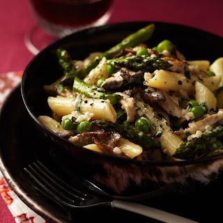 Penne with Asparagus, Peas, Mushrooms and Cream