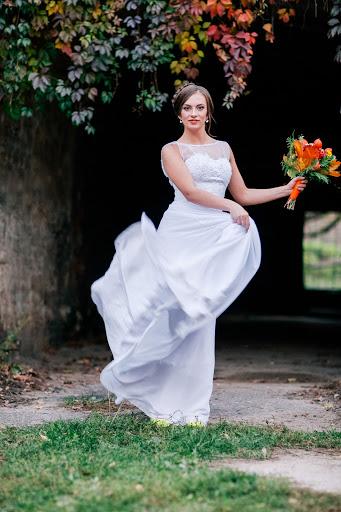 потом ищу фотографа на свадьбу светлогорск если поезде