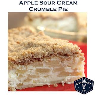 Apple Sour Cream Crumble Pie
